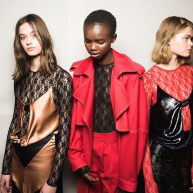 Dit zijn de modekleuren voor in je herfst/winter garderobe