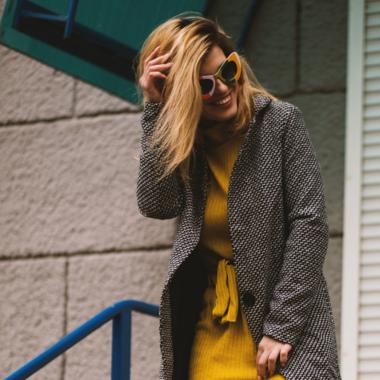 Jurk over een broek dragen? 5x stylish manieren!